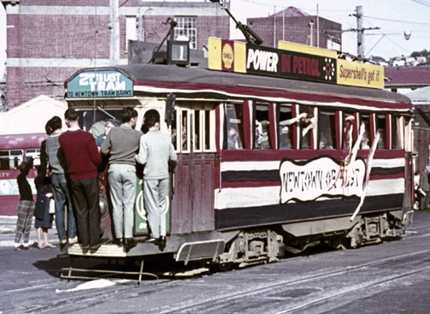 New Zealand's last electric tram trip | NZHistory, New