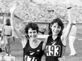 Lorraine Moller wins Olympic bronze
