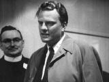 Evangelist Billy Graham arrives for 11-day crusade