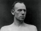 Bob Fitzsimmons wins third world boxing title