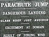 Parachuting Santa crashes in Auckland Domain