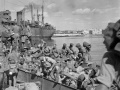 New Zealand soldiers disembark at Taranto