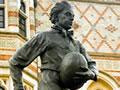 Webb Ellis statue