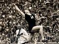 Yvette Williams sets world long jump record
