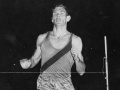Peter Snell breaks world mile record