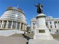 Panorama: Seddon statue at parliament