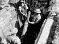 Firing a trench mortar