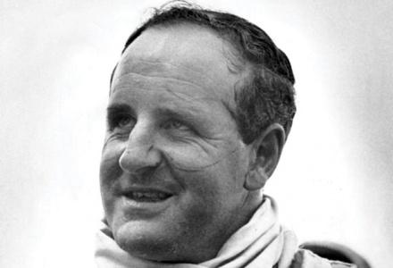 22/10/1967 - Denny Hulme wins Formula One title