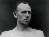 Bob Fitzsimmons wins third world boxing title